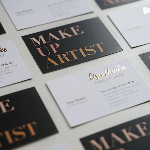Visitenkarten von Lisa Hauke, mit Veredelung, gestaltet von der AKSIS Werbeagentur Ulm